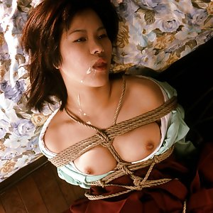 whore in kimono gets tied in ropes and fucked
