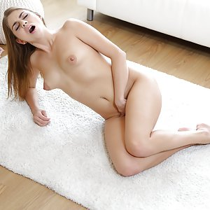 Sweetie fingers pussy on floor. Julia Red