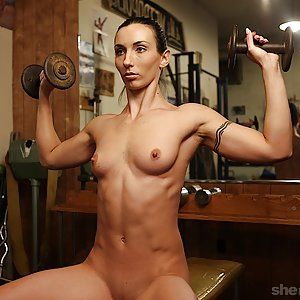 SheMuscle Featuring Wenona