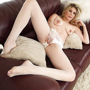 Naughty British MILF Ashleigh playing with her pussy