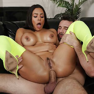 Day With A Porn Star - Luna Star: let's try anal