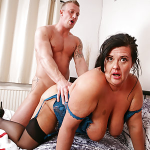 Curvy British housewife playing with her younger lover