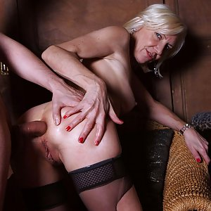 Charly Sparks – Anal Bar Mistress