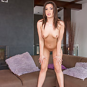 The big butt of Akasha Cullen jiggles as she fl...